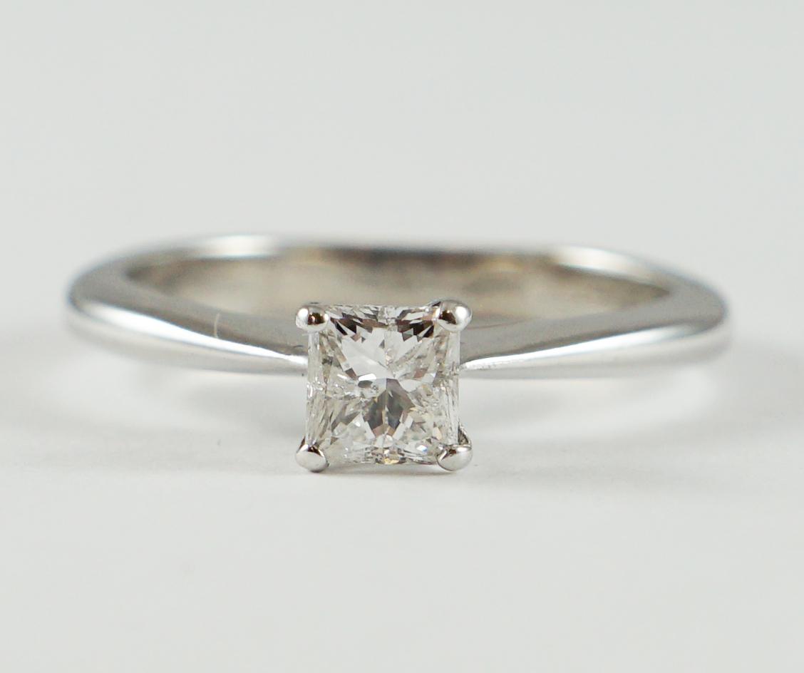 125d3a415deec Princess Cut Diamond Ring, 18ct White Gold Mount